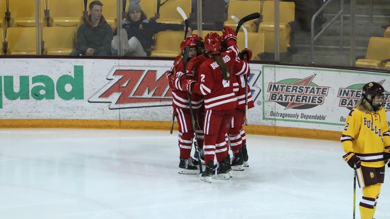 No. 2 Badgers take a bite out of No. 9 Bulldogs | Wisconsin Badgers